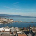 photo panoramique de la ville de Genève et de son jet d'eau