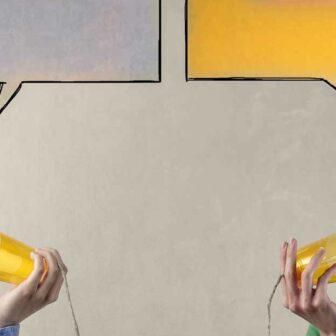 femmes communiquent avec boites de conserve