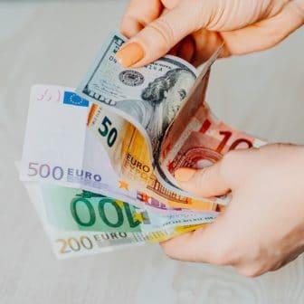 billets en devises euros dollars